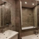 Комбинированное фото перед уборкой ванной комнаты и после неё